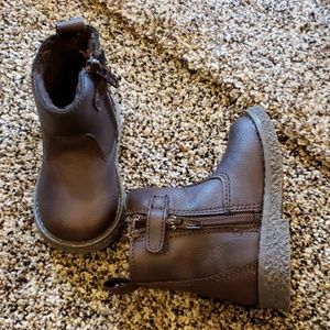 Gap baby boots